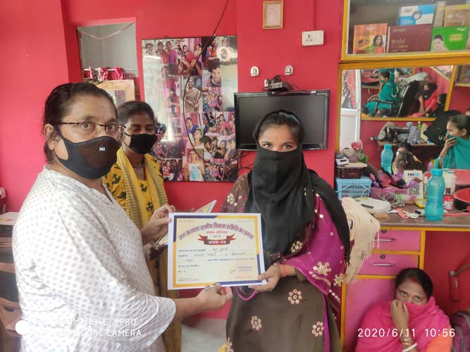Certificate distribution at Chitkohra