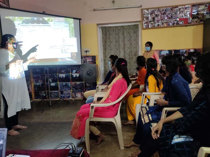 Orientation to the young women from Bazitpur